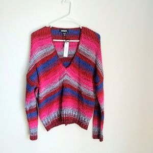 EXPRESS RELAXED V-NECK SWEATER SIZE SMALL